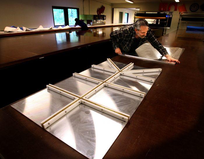 Verktyg för HF-svetsning av spröjsade fönster till partytält